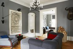 Living room walls in F&B Plummett Estate Emulsion ¦ Farrow & Ball Inspiration Farrow And Ball Living Room, Living Room Paint, Living Room Grey, Living Rooms, Modern Loft Apartment, Oval Room Blue, Paint Your House, Room Colors, Wall Colours
