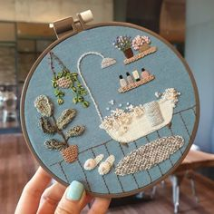 I like the slight use of embellishment here (the bubbles) it makes the image more realistic and detailed. Simple Embroidery, Hand Embroidery Stitches, Modern Embroidery, Embroidery Hoop Art, Crewel Embroidery, Hand Embroidery Designs, Cross Stitch Embroidery, Contemporary Embroidery, Embroidery Patterns Free