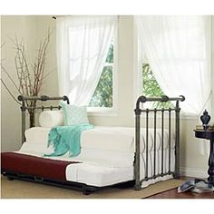 Iron daybed with trundle