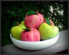 Primitive Apples by ButtonsInTheAttic on Etsy, $27.00
