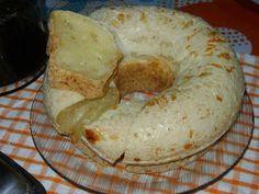 Eu achei essa receita em uma revista da minha mãe e achei maravilhosa, então experimentei fazer esse bolo pão de queijo delicioso. Bolo Pão de Queijo.