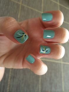 Zöld alapon fehér virág Nails, Blog, Painting, Beauty, Finger Nails, Ongles, Painting Art, Nail, Cosmetology