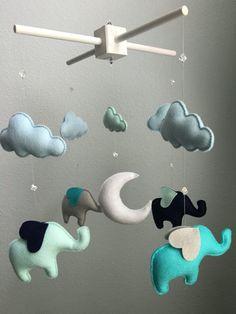 Bébé moderne  menthe bleu marine Aqua gris  par TheWhiteBirchTree