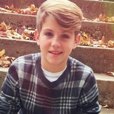 His rythem, his voice, this kid's got talent and looks ♡♡♡♡