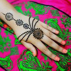 "99 Likes, 7 Comments - Hira_Hennaartist (@mehndiartist_hira) on Instagram: ""New Tutorial▶️youtube▶️hira_hennaartist #henna #henna_i #hennaart #hennadesign #hennalove…"""