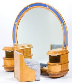American Art Deco Burl Walnut lighted Mirror Vanity and Upholstered Stool circa 1935 Art Deco Furniture, Antique Furniture, Cool Furniture, Furniture Design, Bedroom Furniture, Art Nouveau, Muebles Art Deco, Belle Epoque, Art Deco Bedroom