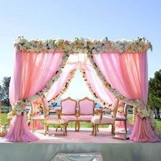 Gone are the days where weddings and wedding receptions mean securing the reception hall at one's local church that is around the corner. Punjabi Wedding Decor, Desi Wedding Decor, Outdoor Indian Wedding, Wedding Stage Decorations, Wedding Mandap, Indian Weddings, Romantic Weddings, Farm Wedding, Garden Wedding