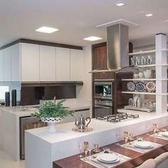 Inspiração para cozinha! #kitchen @bloghomeluxo @homeluxoimoveis #interior #interiores #olioliteam #olioli #bloghomeluxo #decor4home #decor #decoracao #design #decoration Projeto by Liesenberg Arquitetura