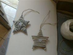 Decorazioni natalizie realizzate con cartone e filo di lana :)