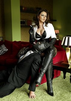 Domme d leather fem dom bdsm b
