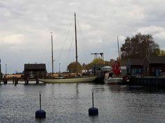 Bilder, Aquarelle vom Meer & mehr - von Frank Koebsch   Boote und Schiffe im Hafen von Gager (c) FRank Koebsch (3)