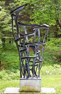 Garden sculpture by Don Gummer { http://www.dongummer.com/slideshow.php?collection=sculpture }