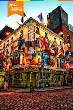 Daca nu ai apucat sa vizitezi Dublin-ul pana acum, ai ratat o parte semnificativa a culturii si istoriei occidentale. Capitala irlandeza s-a bucurat de multa atentie de-a lungul anilor, devenind in timp un punct de intalnire al traditiei si inovatiei.  #education #travel #kids #summercamp University College Dublin, Belfast, Karaoke, Predator, Times Square, Mansions, House Styles, Travel, Ireland