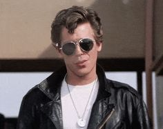 "22 Distressing Life Lessons From ""Grease"" Drop out of school now: You can learn everything you need to know from this classic movie musical. Grease 1978, Grease 2, Grease Hair, Danny Zuko, James Dean, Kenickie Grease, Kenickie Murdoch, Disney Channel, Jeff Conaway"