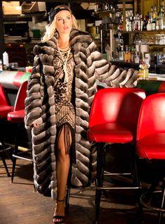 Chinchilla Fur Coat, Fashion Guide, Fur Fashion, Fur Jacket, Style Guides, Evening Dresses, Short Dresses, Romantic, Wedding Dresses