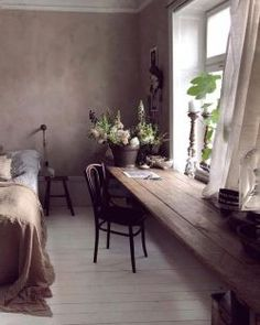 Pick bedding for your romantic bedroom that fixates relaxing romantic colors. Pick bedding for your romantic bedroom that fixates relaxing romantic colors. Home Design, Interior Design, Design Homes, Murphy Bed Plans, Wood Beds, Cheap Home Decor, Home Decoration, Interior Inspiration, Style Inspiration