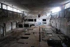 Výsledek obrázku pro opustená fabrika