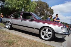 VH/SLE Australian Muscle Cars, Aussie Muscle Cars, Holden Australia, Holden Commodore, Luxury Suv, Spring Clothes, General Motors, Car Stuff, Paint Ideas