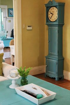 The only way I like a Grandfather Clock! Blue