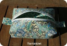 Box Pouch... with link to free tutorial ~ The Tartankiwi