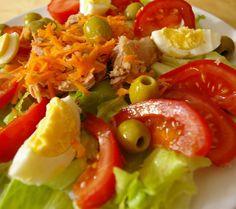 """""Ensalada Mediterranea"" #sea #mediterranean #health #healthy #healthychoices #food #gastronomy #fitness #fit #diet #fresh #veggies #vegan #vegetables…"" . Visit me on Instagram: kitchen_of_spain or Web: www.kitchenofspain.com"