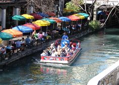 A beautiful day for a Rio San Antonio river cruise!