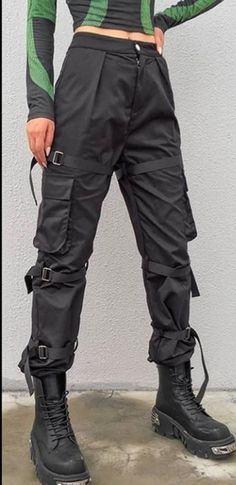 Black Cargo Pants With Ribbon Pockets On Sale -You can find Trousers and more on our website.Black Cargo Pants With Ribbon Pockets On. Edgy Outfits, Grunge Outfits, Girl Outfits, Scene Outfits, Fashion Pants, Fashion Outfits, Lolita Fashion, Fashion Fashion, Ankara Fashion