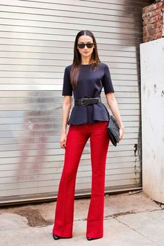 19 ideas how to wear red pants winter work outfits Leila Yavari, Work Fashion, Fashion Outfits, Ny Fashion, Fashion Scarves, 1950s Fashion, Vintage Fashion, Red Pants Outfit, Red Flare