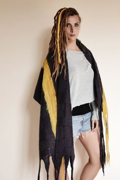 wool scarf, ultra soft, perfect gift for woman, maxi scarf with fringe di HelenaCoutureIT su Etsy