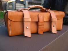 Ped's & Ro Leather Blog: Update...'Tool-Box' Bag