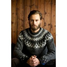 Skipper in grey Icelandic plutolopi Knit Vest, Wool Cardigan, Grey Sweater, Icelandic Sweaters, Wool Sweaters, Viking Men, Knitting Designs, Knitting Ideas, Sweater Weather