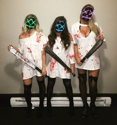 Pin for Later: halloween costumes Purge Halloween costume. Are you looking for easy pretty Halloween makeup ideas for women to look the best at the Halloween party? See our photo collage to pick the one that fits… Mascaras Halloween, Homemade Halloween Costumes, Woman Halloween Costumes, Halloween Outfits For Women, Haloween Costumes 2017, Halloween Costumes With Friends, Zombie Costume Women, Halloween Costume Ideas For Couples, Costumes For Couples