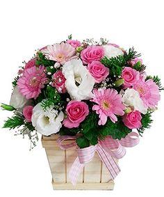 Ngày khai trương thường thấy điện hoa khai trương, ít ai nghĩ đến những giỏ hoa mừng khai trương nhưng không vì thế mà nó kém đi sức thu hút.
