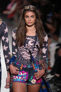 Taylor Hill walks the runway at the Anna Sui S/S18 show during New York Fashion Week on September 11, 2017.