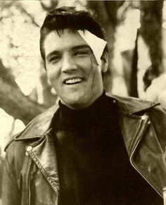52 years ago on March 11th 1964, #Elvis cut his eye whilst doing his own stunts during filming of Roustabout!