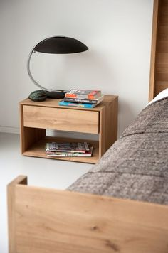 OAK NORDIC | Mesita de noche by Ethnicraft
