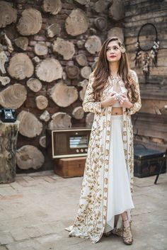 Looking for Indo western jacket style cape oiutfit? Browse of latest bridal photos, lehenga & jewelry designs, decor ideas, etc. Indian Engagement Outfit, Engagement Outfits, Indian Wedding Outfits, Indian Outfits Modern, Indian Fashion Modern, Wedding Dresses, Western Dresses, Western Outfits, Indian Attire