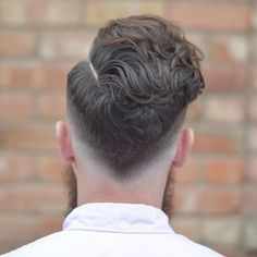 A list of curly hairstyles for men which inlcudes how to style curly hair men, curly hairstyles for black men, haircuts for men with wavy hair, and more. Cool Haircuts, Hairstyles Haircuts, Haircuts For Men, Summer Hairstyles, Trendy Hairstyles, Haircut Men, V Cut Haircut, V Shaped Haircut, Low Fade Haircut