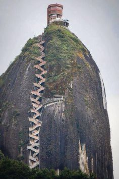 Yikes....if you ever need a good leg workout just take these stairs! Makes me tired just looking at it haha.