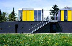 Haus P. Garage Doors, Outdoor Decor, Home Decor, Bregenz, Homes, House, Life, Homemade Home Decor, Decoration Home