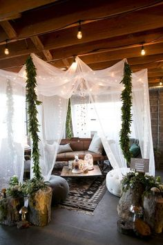Click to see the biggest wedding trends for 2016, including stunning reception decor