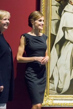 Queen Letizia of Spain Photos - Queen Letizia of Spain Attends 'Luis Carandell' Journalism Award - Zimbio