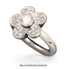 Flower ring with diamonds. Atelier T. Tillander.