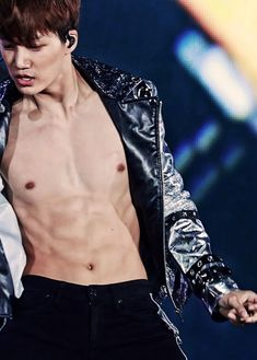 Your number one Asian Entertainment community forum! Hot Korean Guys, Exo Korean, Hot Guys, Taemin, Exo Dancing King, Kim Kai, Sexy Asian Men, Surfer Boys, Kim Minseok