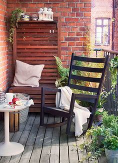 Small patio decorating inspiration – love these Ikea pieces!