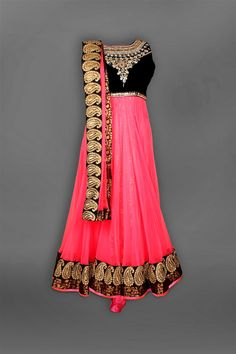 Indian Fashion Scrapbook: Photo I just want it in blue or green! Anarkali Dress, Lehenga, Black Anarkali, Sarees, Anarkali Suits, Punjabi Suits, Indian Attire, Indian Wear, Indian Style