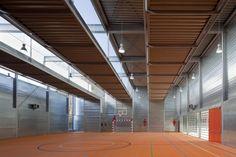 Pabellón Deportivo en el C.P. Pablo Iglesias / Planta 33 Arquitectura
