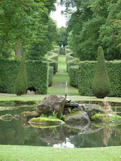 Chatsworth House :: Oh, it's only Mr. Darcy's garden, it's cool. ::