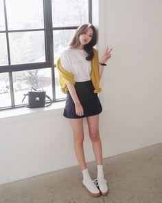 Korean Street Fashion - Life Is Fun Silo Korean Outfit Street Styles, Korean Street Fashion, Korea Fashion, Korean Outfits, Trendy Outfits, Girl Outfits, Cute Outfits, Fashion Outfits, Fashion Casual