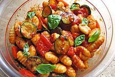 Gnocchi - Salat - My list of the most healthy food recipes Vegetable Recipes, Vegetarian Recipes, Healthy Recipes, Vegetarian Grilling, Gnocci Salat, Pasta Recipes, Salad Recipes, Grilling Recipes, Mozzarella